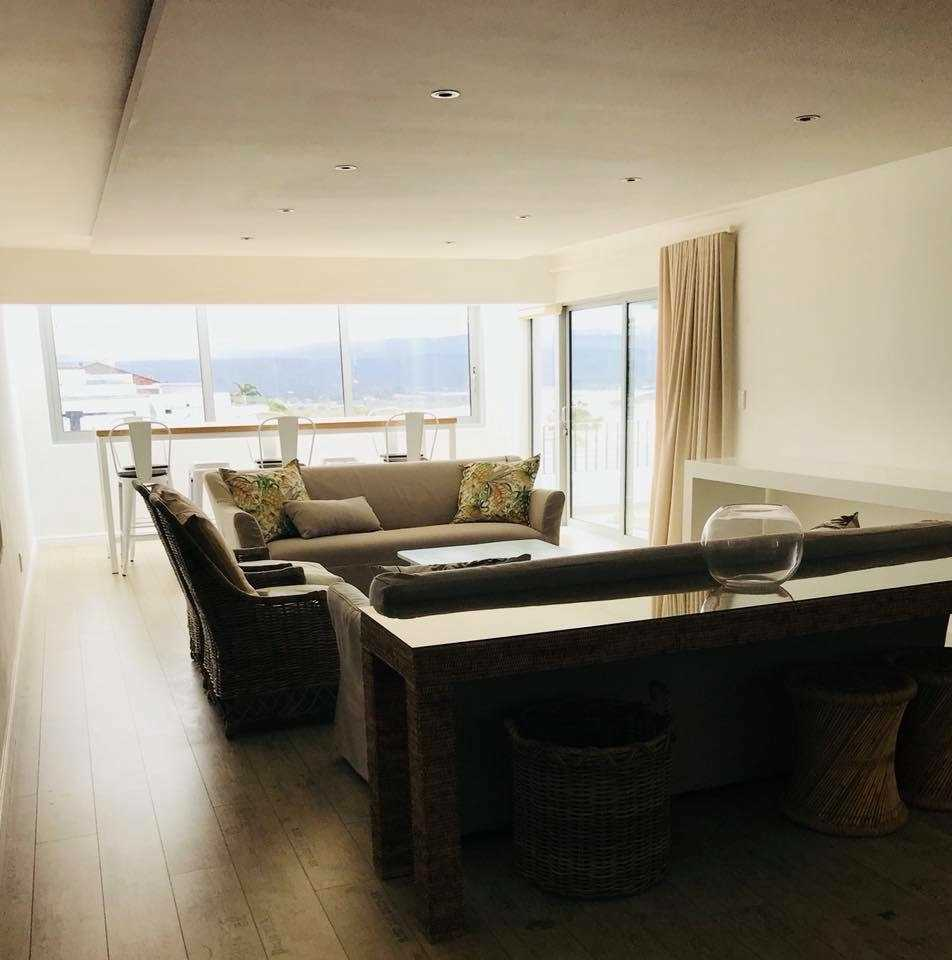 Stunning 4 -bedroom apartment in town, Plettenberg Bay. Jan 2018