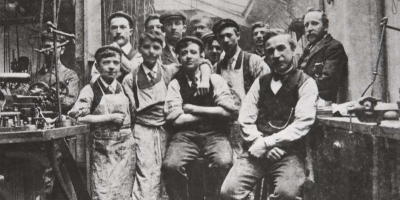 Devilbiss Factory Workers in 1902
